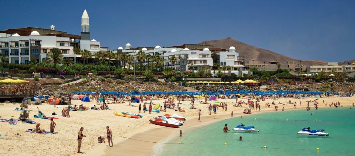Lanzarote-Playa-Blanca-Sweeping-beach-view-STEP-min-960x440